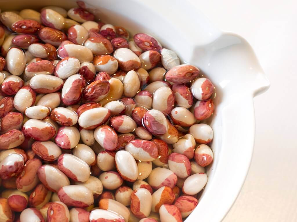 How to soak beans to preserve its healthy properties