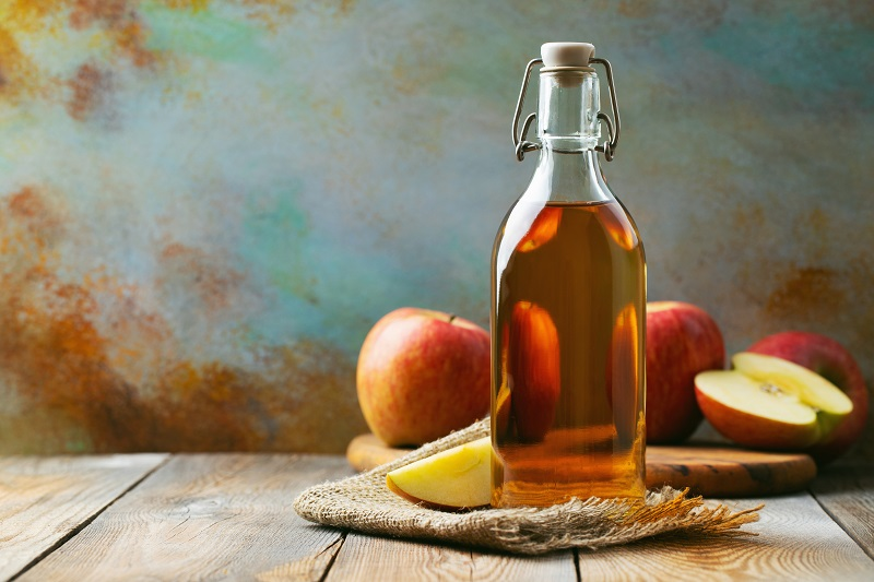 This is what a tablespoon of apple cider vinegar a day will do to your body