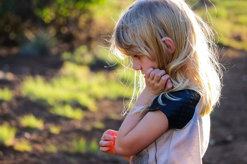 10 things you should never do to avoid influencing your child negatively
