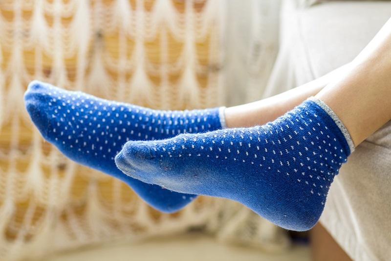 5 reasons to wear socks when you sleep