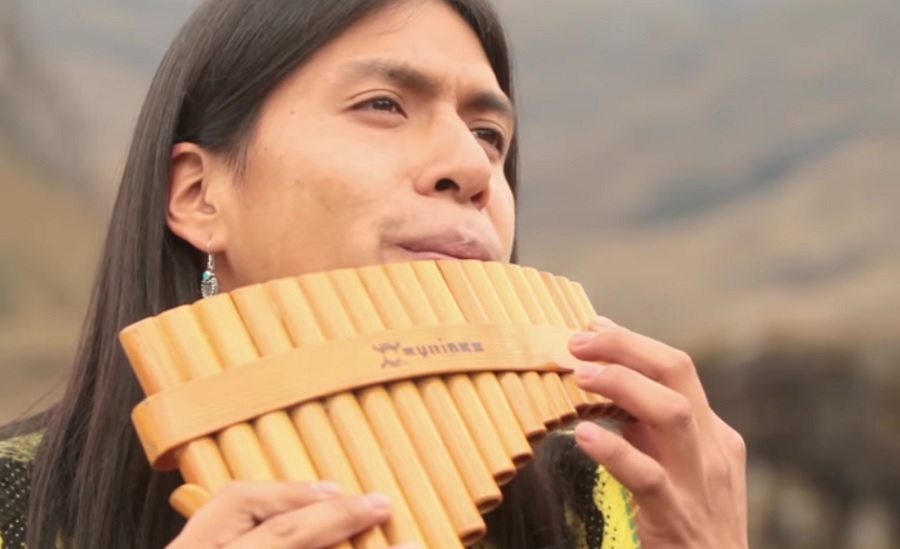 """Leo Rojas playing the song """"The Lonely Shepherd"""" will fill your eyes with tears"""
