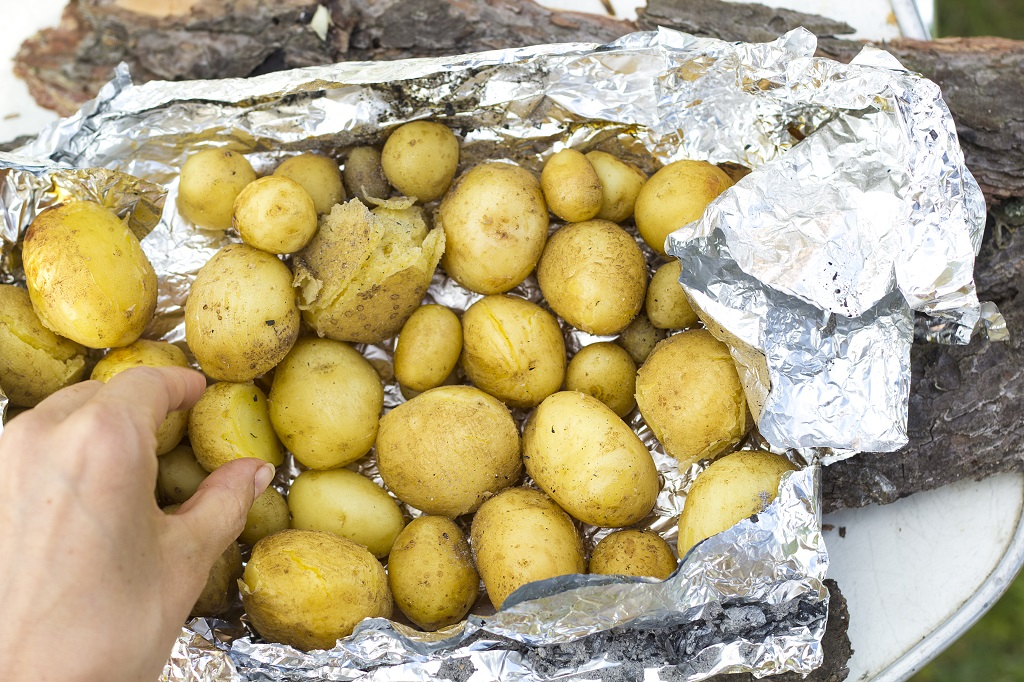 Potatoes baked in aluminum foil