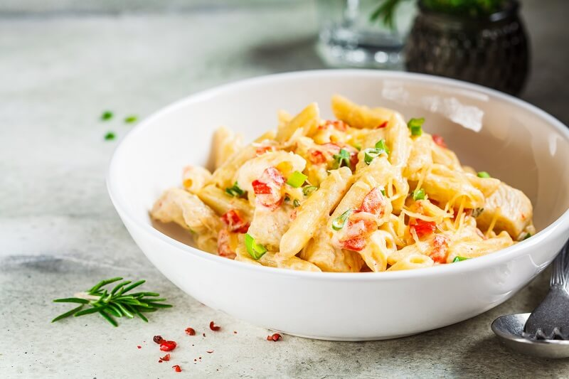 Alfredo pasta with chicken and sausages